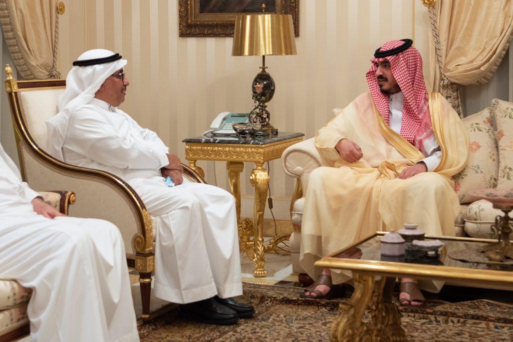 نائب أمير مكة يقدم تعازيه ومواساته لذوي فقيه