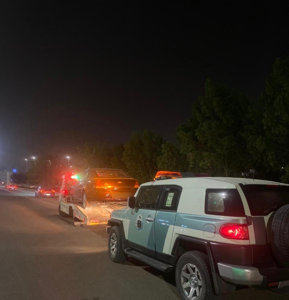 مرور منطقة الحدود الشمالية يضبط قائد المركبة مارس التفحيط بحي المنصورية