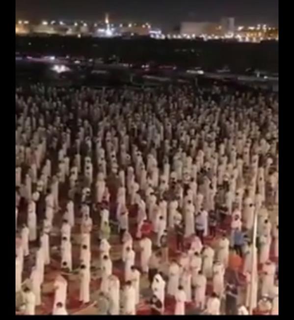 فيديو.. الآلاف في الرياض يؤدون صلاة التراويح ليلة 27 خلف الشيخ ناصر القطامي