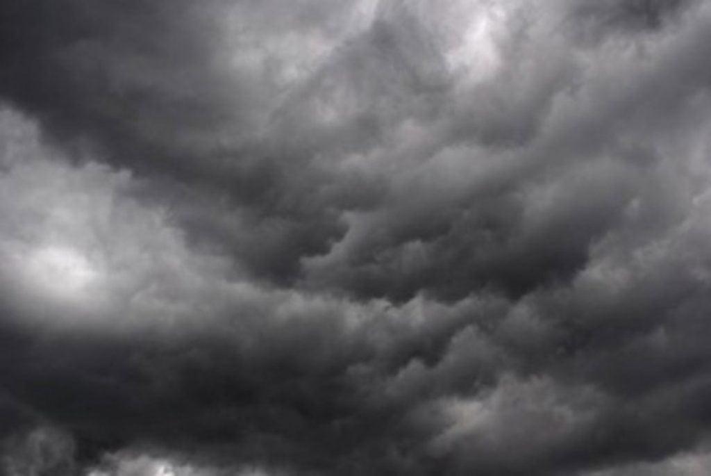 توقعات طقس الغد.. أمطار رعدية وبرد ورياح نشطة بعدة مناطق