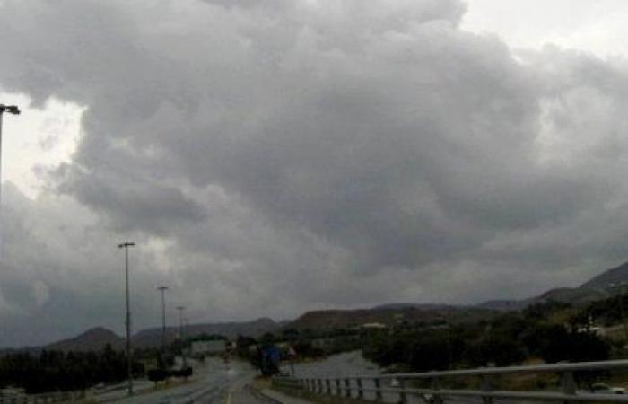 سماء غائمة جزئياً وسحب رعدية ممطرة على هذه المناطق