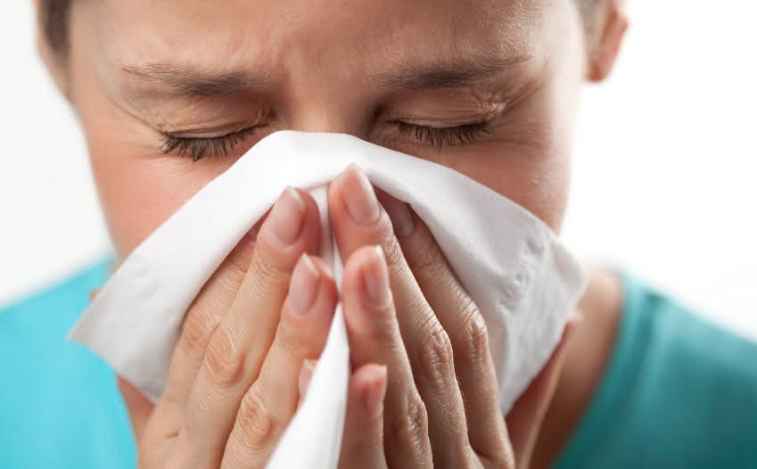دراسة: الإصابة بنزلات البرد قد تقي من كورونا!
