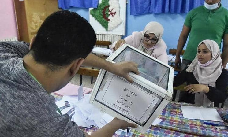 جبهة التحرير الوطني تتصدر انتخابات البرلمان الجزائري