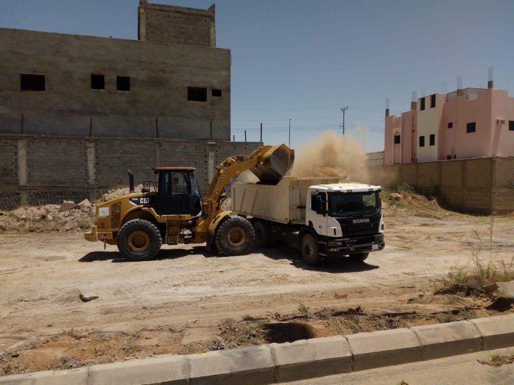 بلدية محافظة تيماء تكثف أعمال النظافة وإزالة جميع التشوهات البصرية