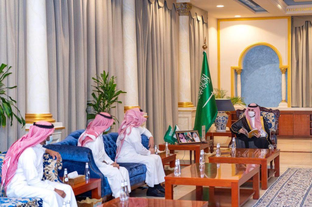 أمير الجوف يستقبل رئيس وأعضاء إدارة نادي طبرجل الرياضي