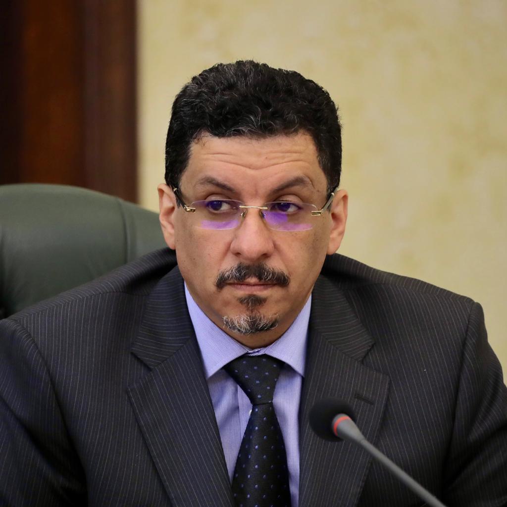 الحكومة اليمنية تجدد تمسكها بوقف شامل لإطلاق النار