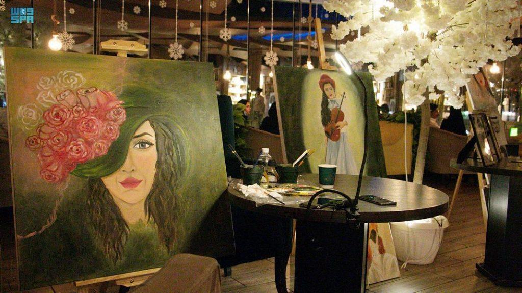 """""""ابتهاج الجهني"""" : أبدعت في الرسم الحرّ وتطمح لمشروع خاص يحتضن أعمالها"""