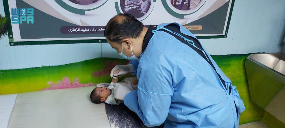 عيادات مركز الملك سلمان للإغاثة تواصل تقديم خدماتها الطبية في مخيم الزعتري بالأردن