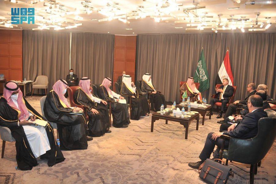 وزير التجارة وعدد من الوزراء المصريين يبحثون سبل تطوير علاقات التعاون التجاري
