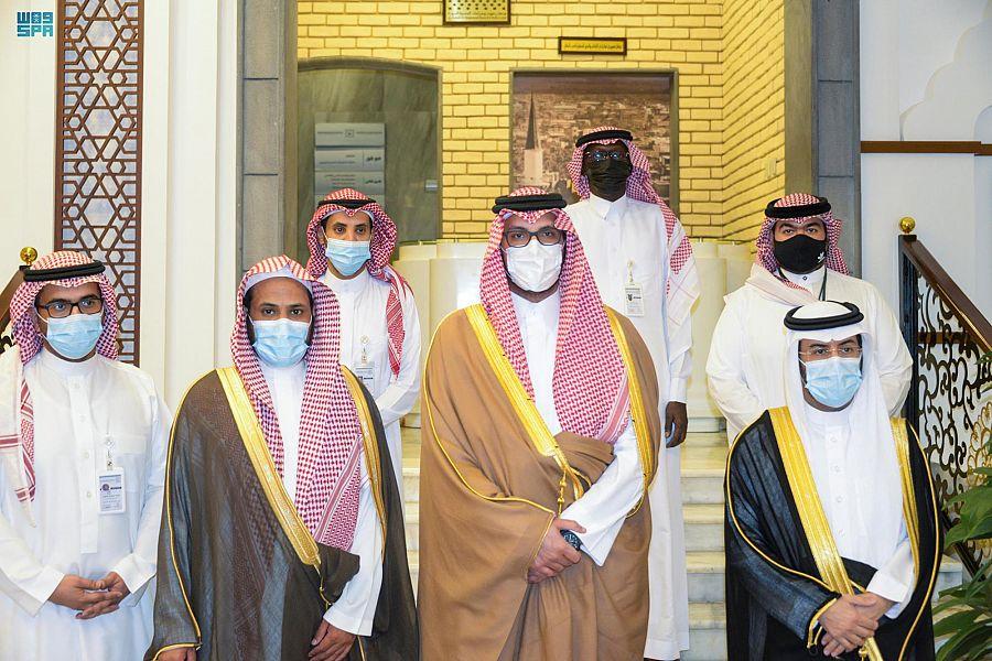 نائب أمير منطقة المدينة المنورة يطلع على المشاريع الجاري تنفيذها بمركز بحوث ودراسات المدينة المنورة