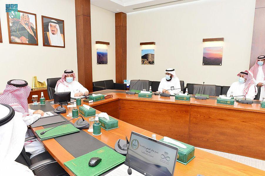 أمير حائل يستقبل الرئيس التنفيذي للتجمع الصحي بالمنطقة
