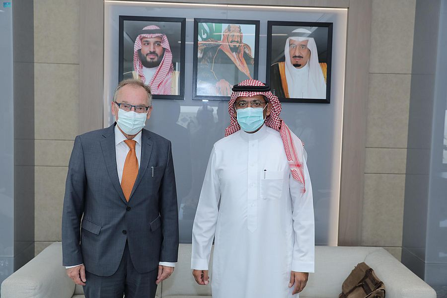وزير الصناعة والثروة المعدنية يستقبل السفير الألماني لدى المملكة