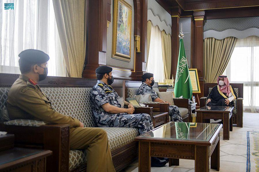 أمير المدينة المنورة يلتقي قائد القوات الخاصة لأمن الحج والعمرة