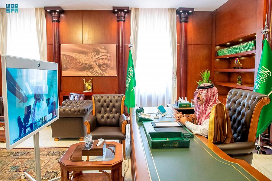 أمير حائل يرأس الاجتماع السادس للجنة الإسكان التنموي بالمنطقة