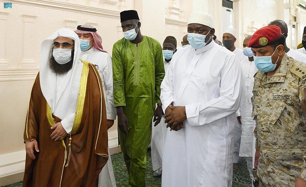 رئيس جمهورية جامبيا يزور المسجد النبوي