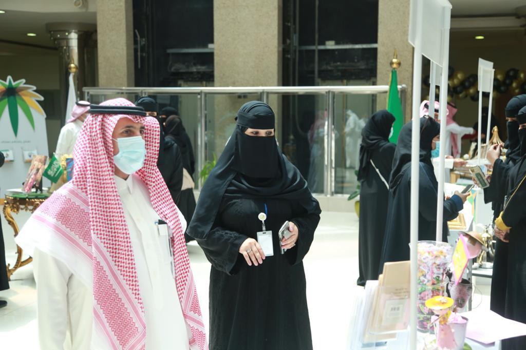 """""""الموارد البشرية"""" تنظم فعاليات للتوعية بعدم الإساءة لكبار السن في الرياض"""