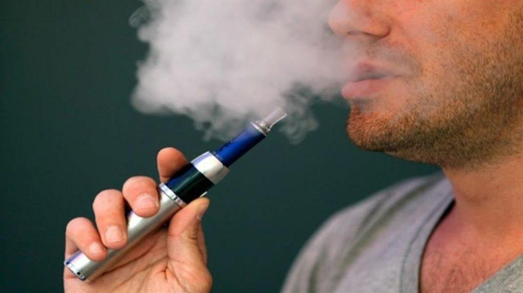 """""""السجائر الإلكترونية"""" ليست بدائل للتدخين وتُمثل كارثة صحية"""