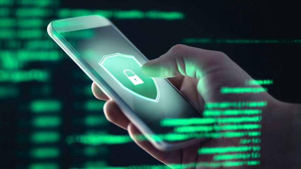 تنتهك الخصوصية.. تحذير من استخدام هذه التطبيقات!