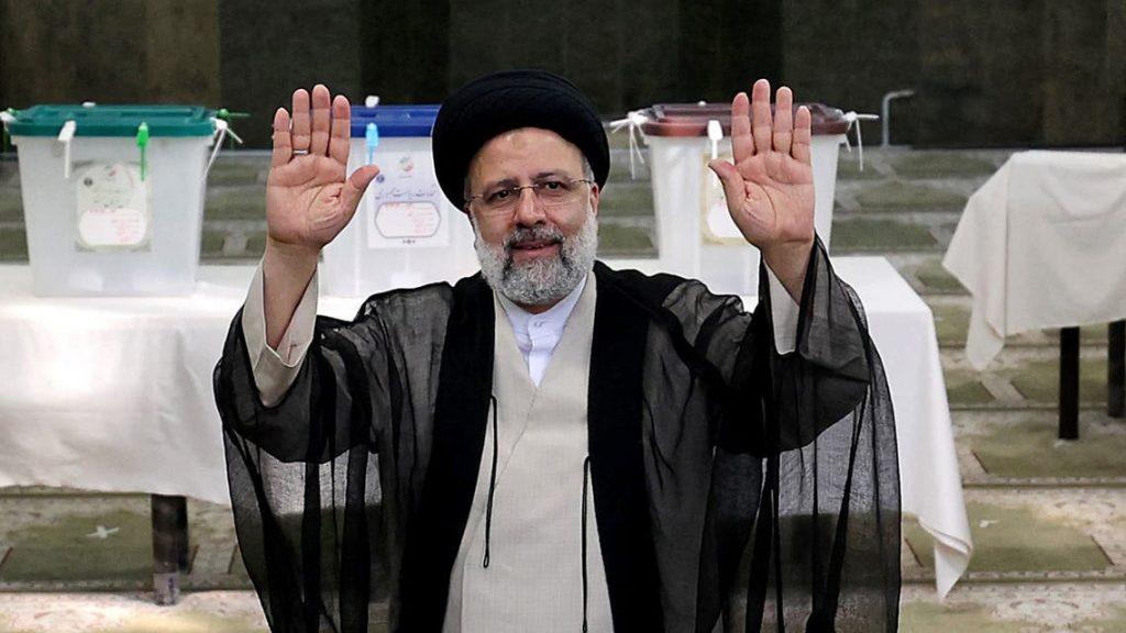 بنسبة 62%.. إيران تعلن رسميا فوز رئيسي بانتخابات الرئاسة