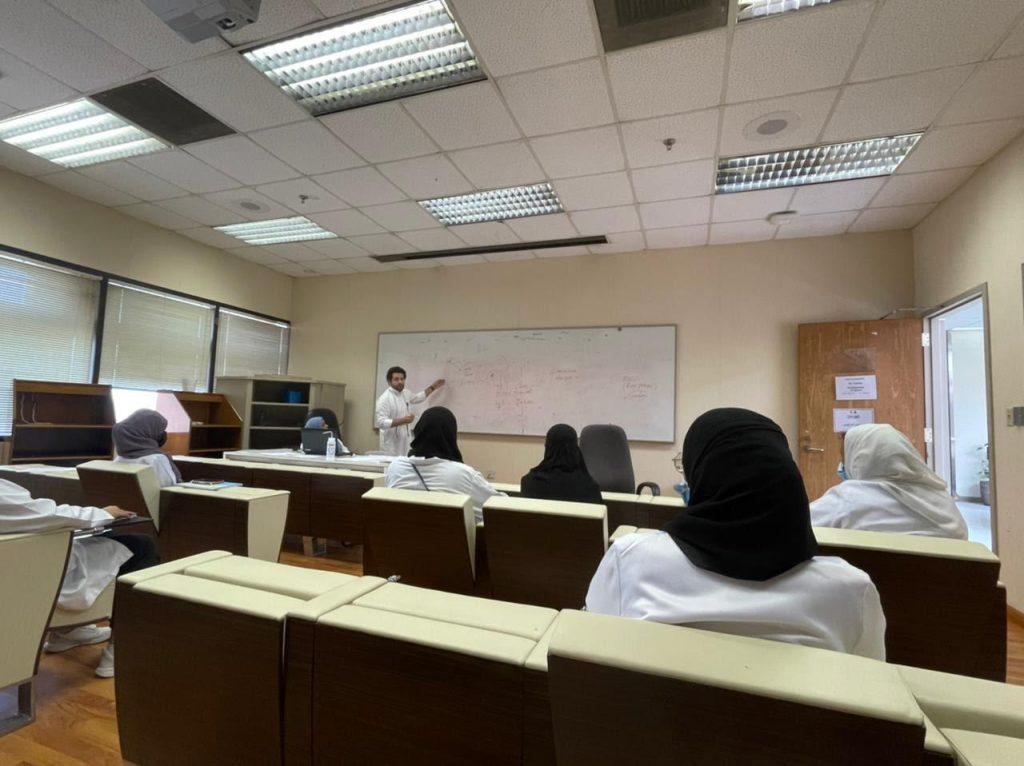 """جامعة """"المؤسس"""" تطلق فعاليات برنامج """"موهبة 2021"""" للطالبات الموهوبات في التعليم العام"""
