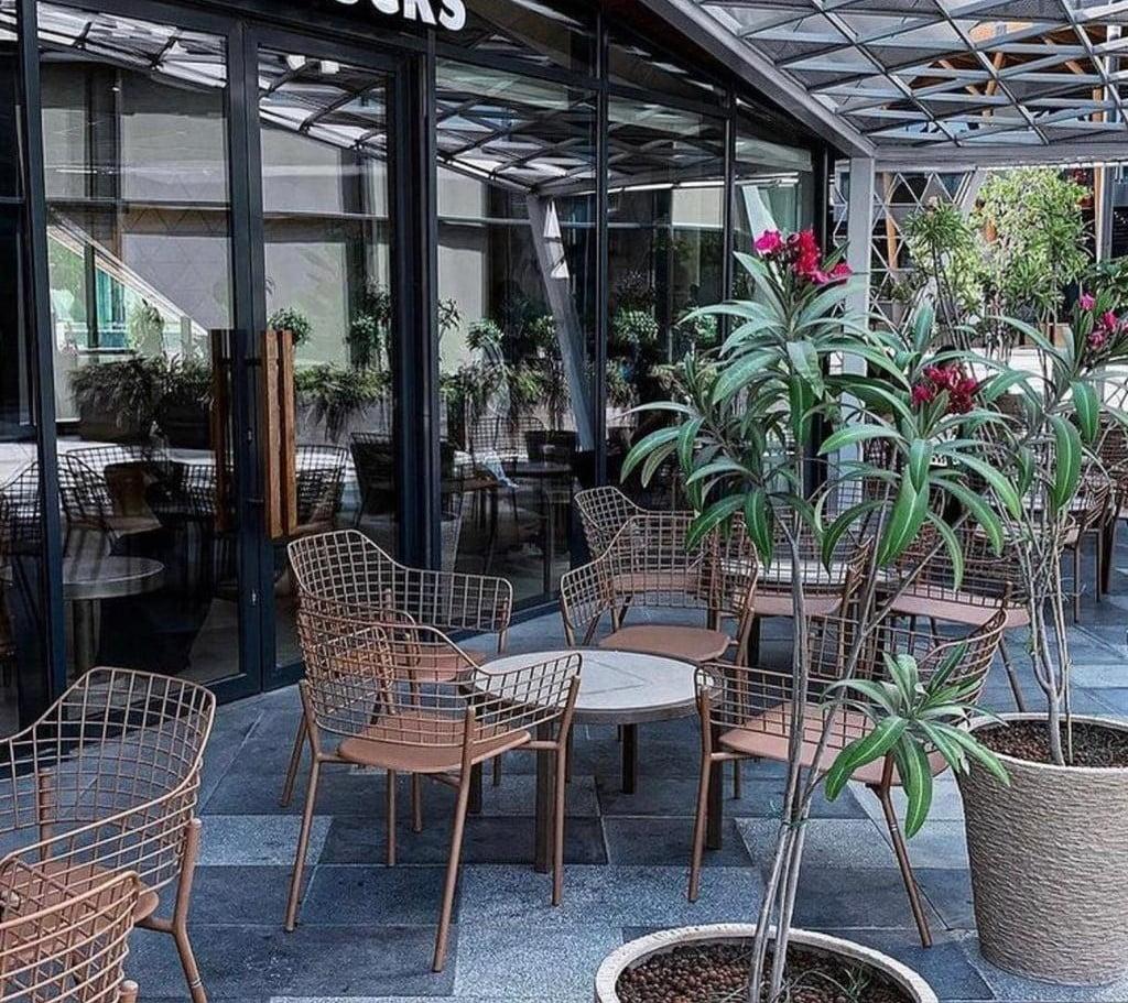 بلدية الخبر تصدر أكثر من 60 تصريحا للجلسات الخارجية في المطاعم والمقاهي