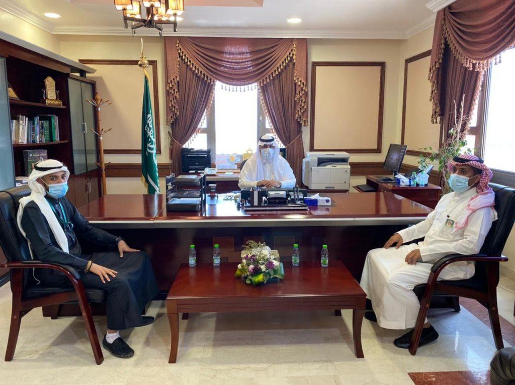 محافظ أملج يلتقي مدير فرع البنك الأهلي السعودي بأملج