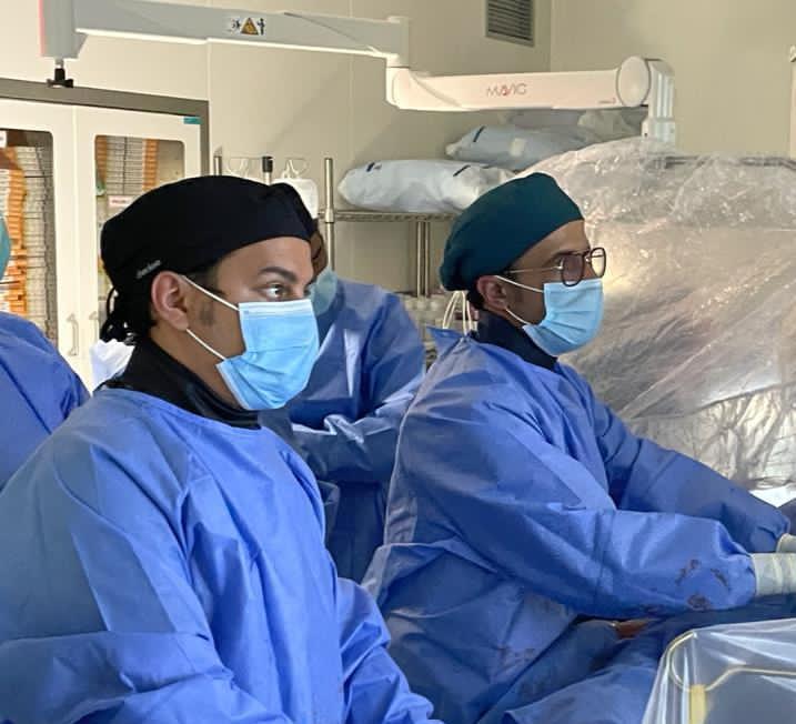نجاح عمليتين متقدمتين لتركيب الصمام الأورطي بالقسطرة في مركز القلب بأبها