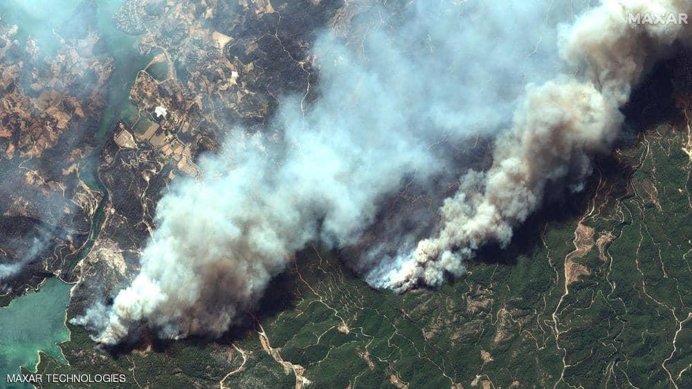 """حرائق تركيا """"من الفضاء"""".. أقمار صناعية ترصد النار والدخان"""