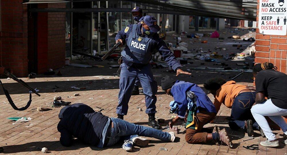 ارتفاع عدد قتلى أعمال العنف في جنوب أفريقيا إلى 276 قتيلاً