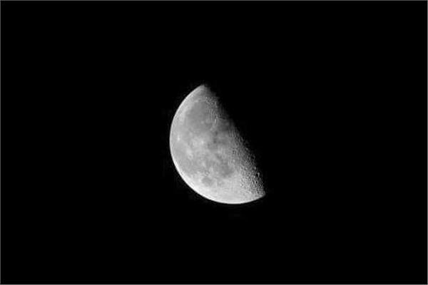 فلكية جدة : إشراق القمر في طور التربيع الأخير يزين السماء بعد منتصف الليل