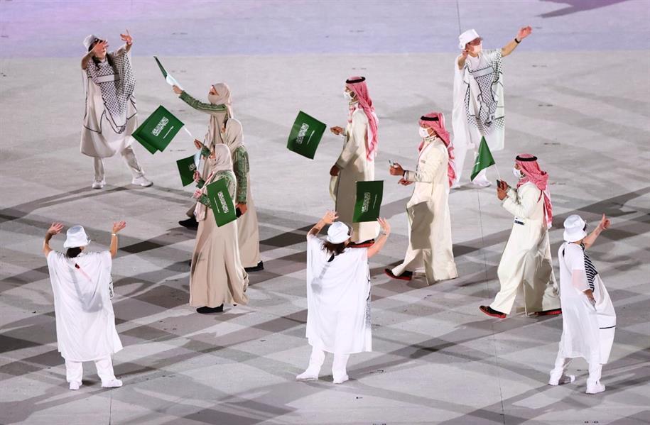 صور.. لحظة دخول الوفد السعودي لحفل افتتاح أولمبياد طوكيو