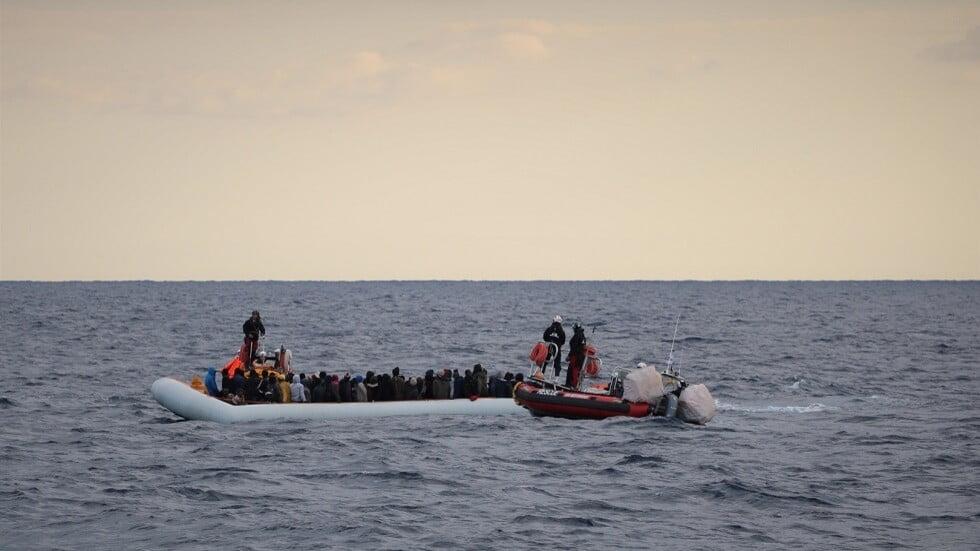 مقتل 17 مهاجرا على الأقل بغرق قاربهم قبالة سواحل تونس