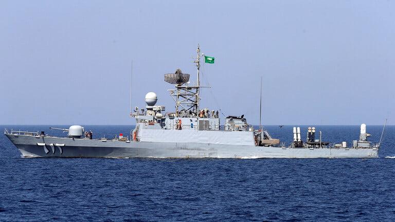 صور.. القوات البحرية الملكية السعودية تحتفل بتعويم السفينة جازان