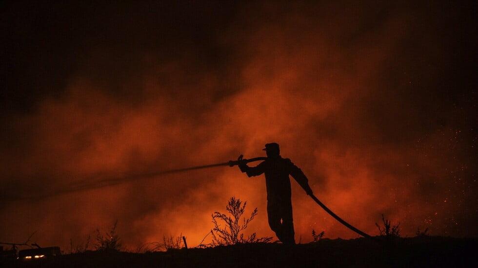 دخان كثيف في سماء الأردن إثر حرائق غابات بتركيا ولبنان