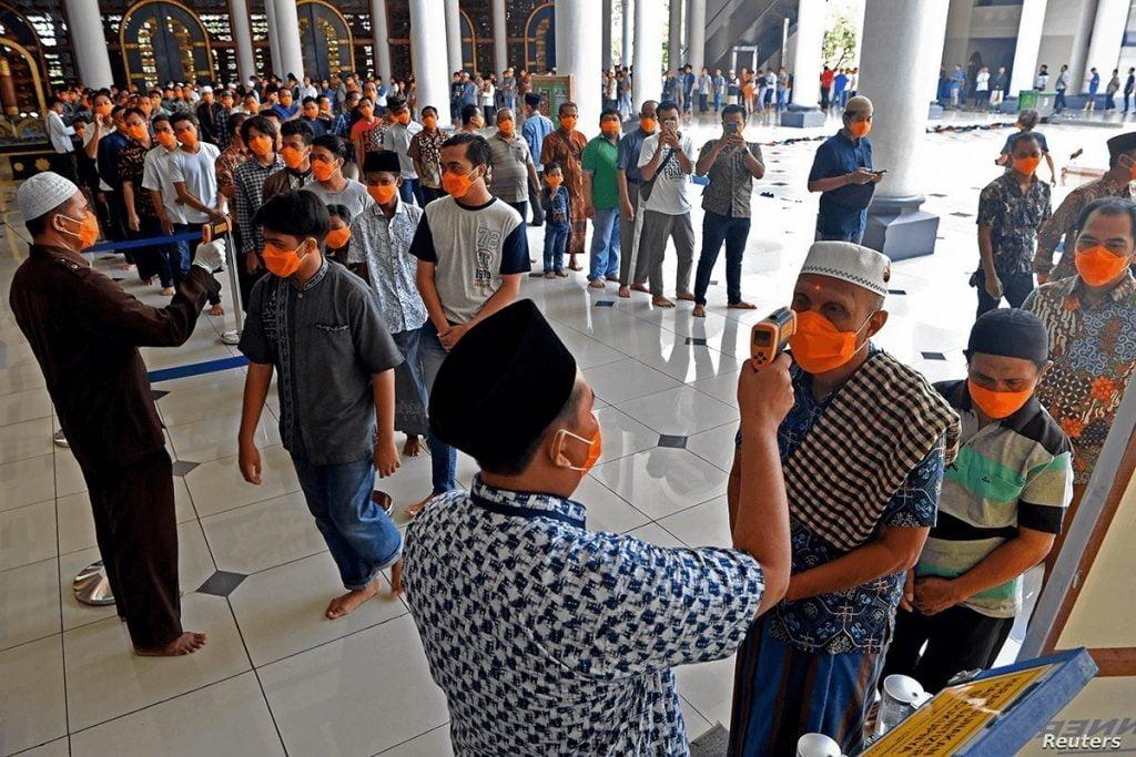 السفير الثقفي: الوضع في إندونيسيا بلغ ذروته.. و8 مواطنين مصابون بكورونا