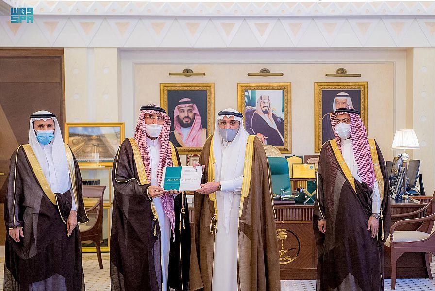 أمير القصيم يتسلم التقرير السنوي للقطاع الشمالي لوزارة البيئة والزراعة والمياه