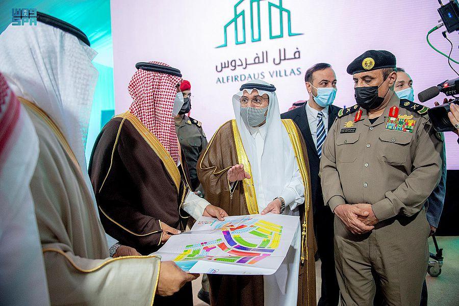 أمير القصيم يضع حجر أساس مشروع فلل الفردوس لبناء 920 وحدة سكنية بمدينة بريدة