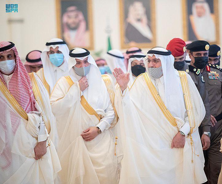 أمير القصيم يستقبل المهنئين بعيد الأضحى المبارك