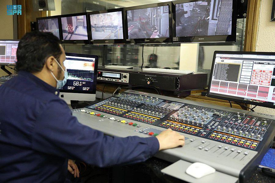 المسجد النبوي.. نظام صوتي إلكتروني دقيق متطور وجودة عالمية عالية