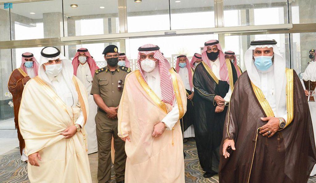 أمير تبوك يطلع على عدد من المشروعات التنموية بمحافظة أملج