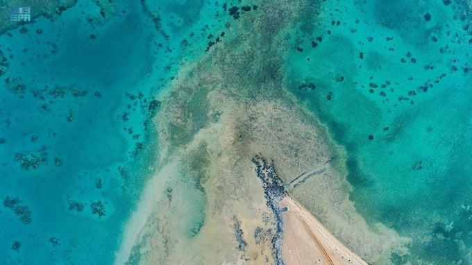 شاطىء الهرابة بمحافظة الوجه مرتكز الجمال في رؤية جزر البحر