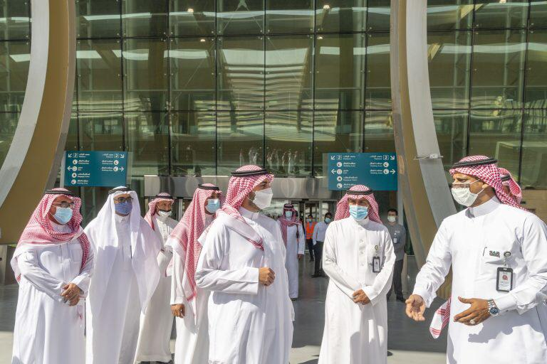أمير الجوف يتفقد محطة قطار القريات.. والتشغيل منتصف مارس العام المقبل