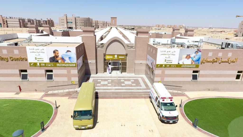 مركز لقاحات كورونا بجامعة الجوف يواصل أعماله في إجازة عيد الأضحى المبارك