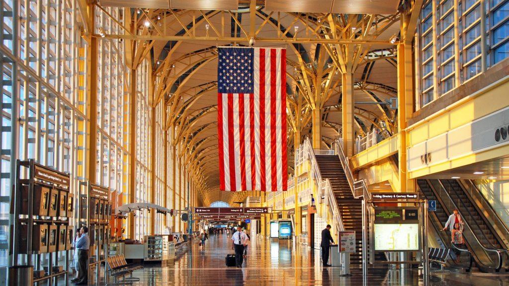 الولايات المتحدة فتح حدودها أمام المسافرين المطعمين بالكامل