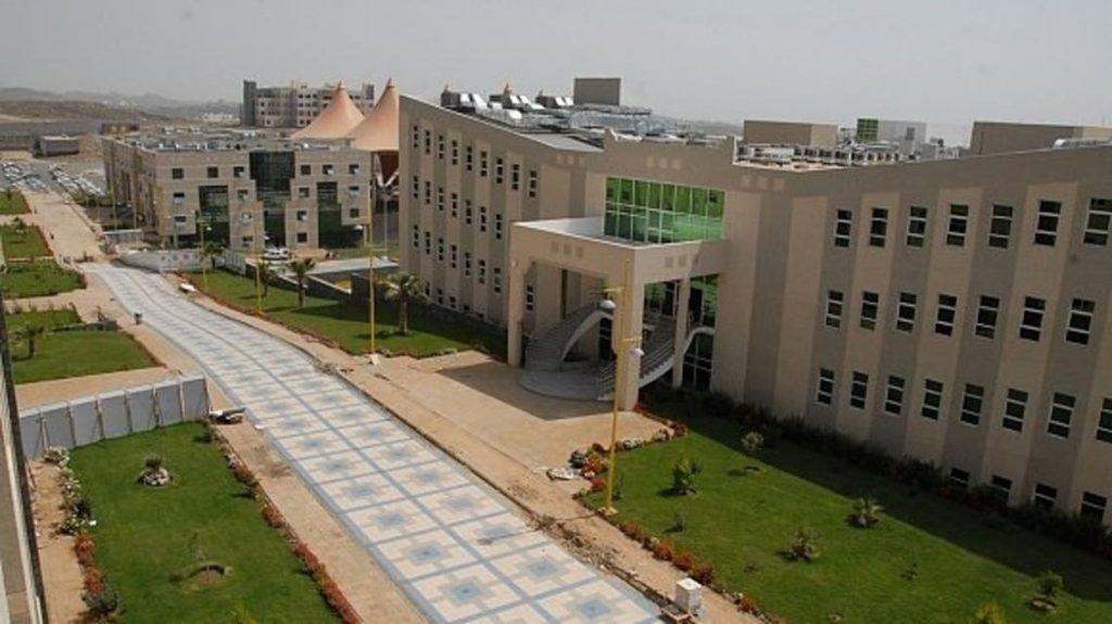 جامعة الملك خالد تعلن مواعيد بث الجداول وعمليات الزائر الداخلي والخارجي