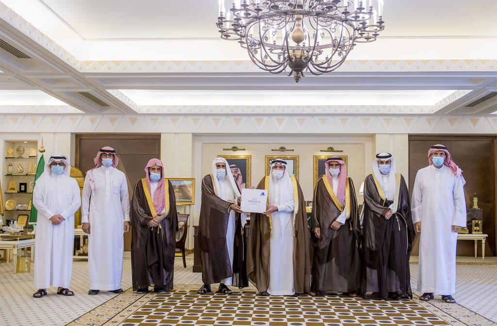 أمير القصيم يتسلم تقرير حملة إفطارك في مكانك بمحافظة البكيرية