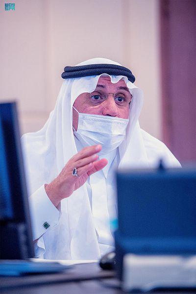 """أمير القصيم يوجه بتشكيل لجان لمتابعة تطبيق تدابير الوقاية من """"كورونا"""""""