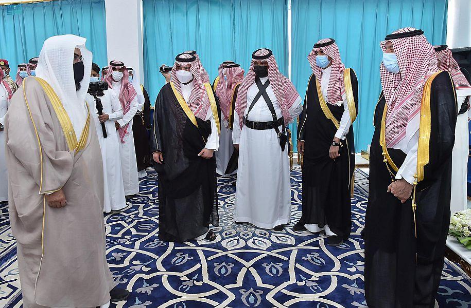 أمير منطقة نجران يلتقي بأهالي محافظة بدر الجنوب