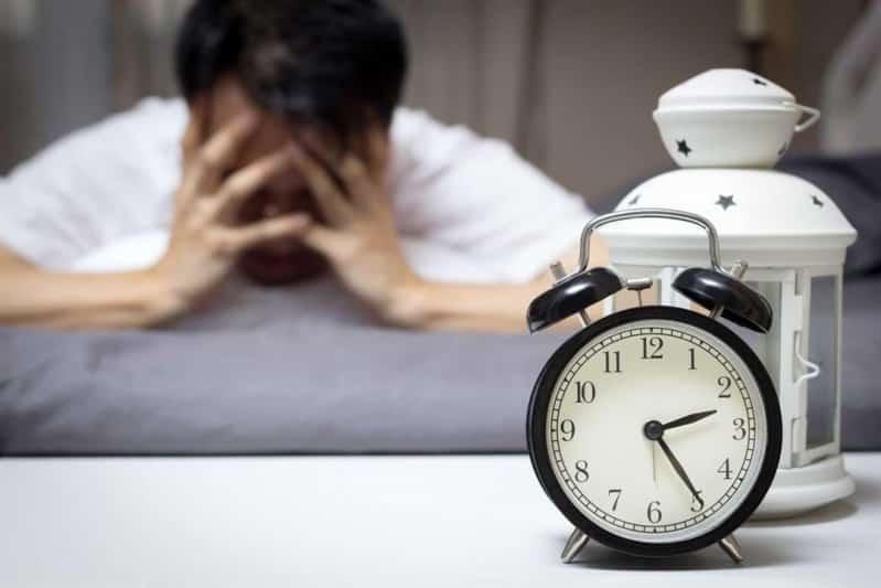 كيف تعيد ضبط نومك بعد إجازة طويلة؟