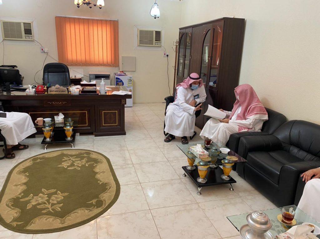 محافظ دومة الجندل يبحث مع مدير الشؤون الإسلامية سير العمل في فرع الوزارة